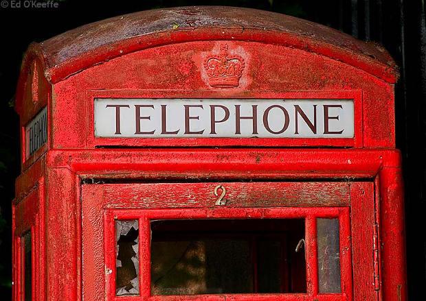 ¿Quiere adoptar una cabina de teléfonos británica?