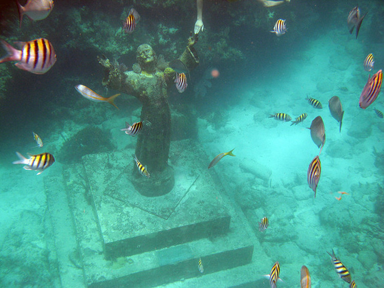 El Cristo del Abismo, la estatua sumergida en el golfo de Génova