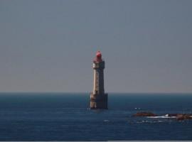 Los riesgos de entrar y salir de un faro en el mar