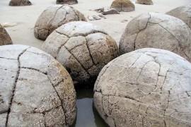 Esferas piedra Moeraki Bowling Ball Beach