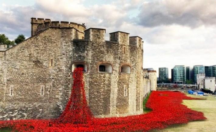 Torre Londres sangra amapolas centenario I Guerra Mundial