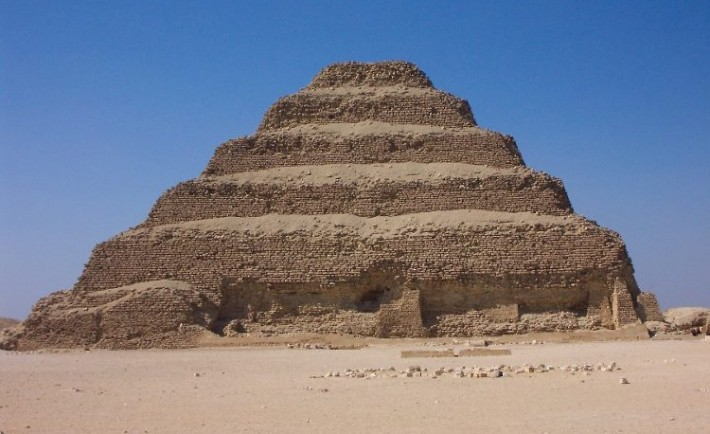Polemico estado Piramide Escalonada