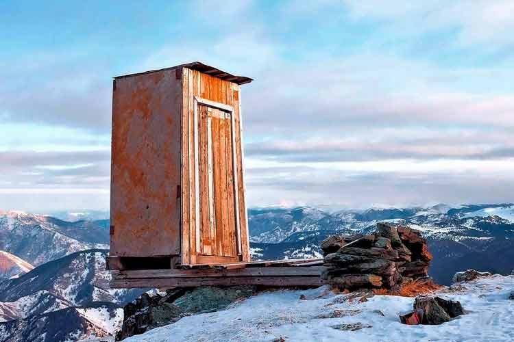 La letrina más terrorífica del mundo está en Siberia
