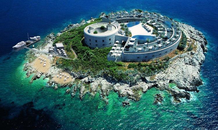 Mamula, una prisión de la Segunda Guerra Mundial que será convertida en hotel de lujo