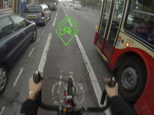 Bicicleta con láser incorporado para prevenir accidentes