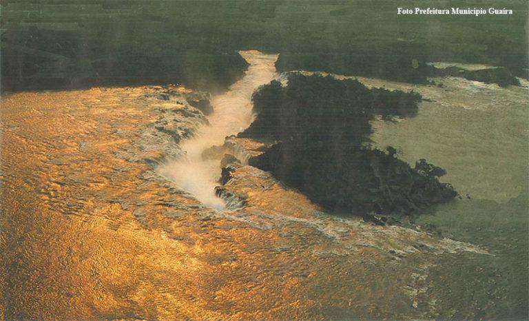 En 1982 la represa de Itaipú hizo desaparecer los Saltos del Guairá, hasta entonces las mayores cataratas del mundo