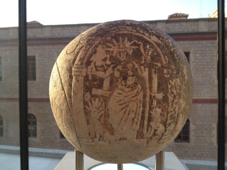 La intrigante Esfera Mágica que apareció al pie de la Acrópolis de Atenas